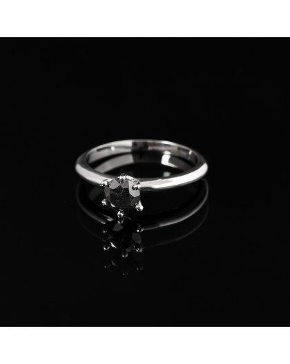 Balto aukso sužadėtuvių žiedas su juoduoju Deimantu
