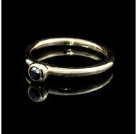 Aukso žiedas su juodu Deimantu