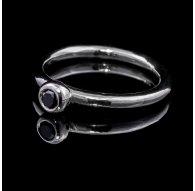 Balto aukso žiedas su juodu Deimantu